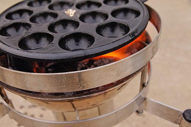 台を低くしてたこ焼きプレートを十分に熱する